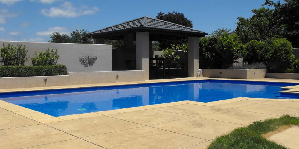 Waikato swimming pool builder landscape designer for Pool design company radom